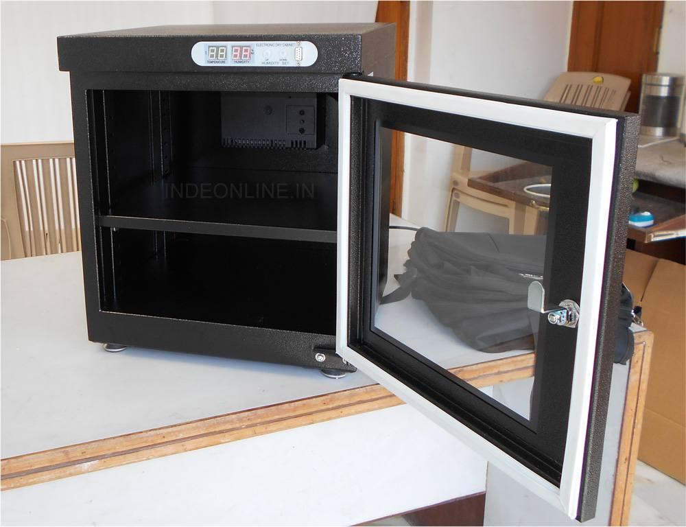 Open Door of Dry Cabinet FCM280